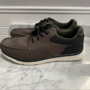 NWT Casual Canvas Men's Shoes